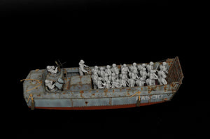 1/35 LCVP with U.S. Infantry