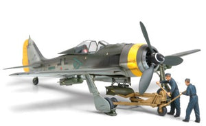 1/48 Focke-Wulf Fw190 F-8/9 with Bomb Loading Set