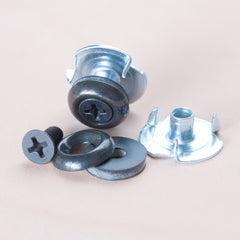 Hardware mounting set