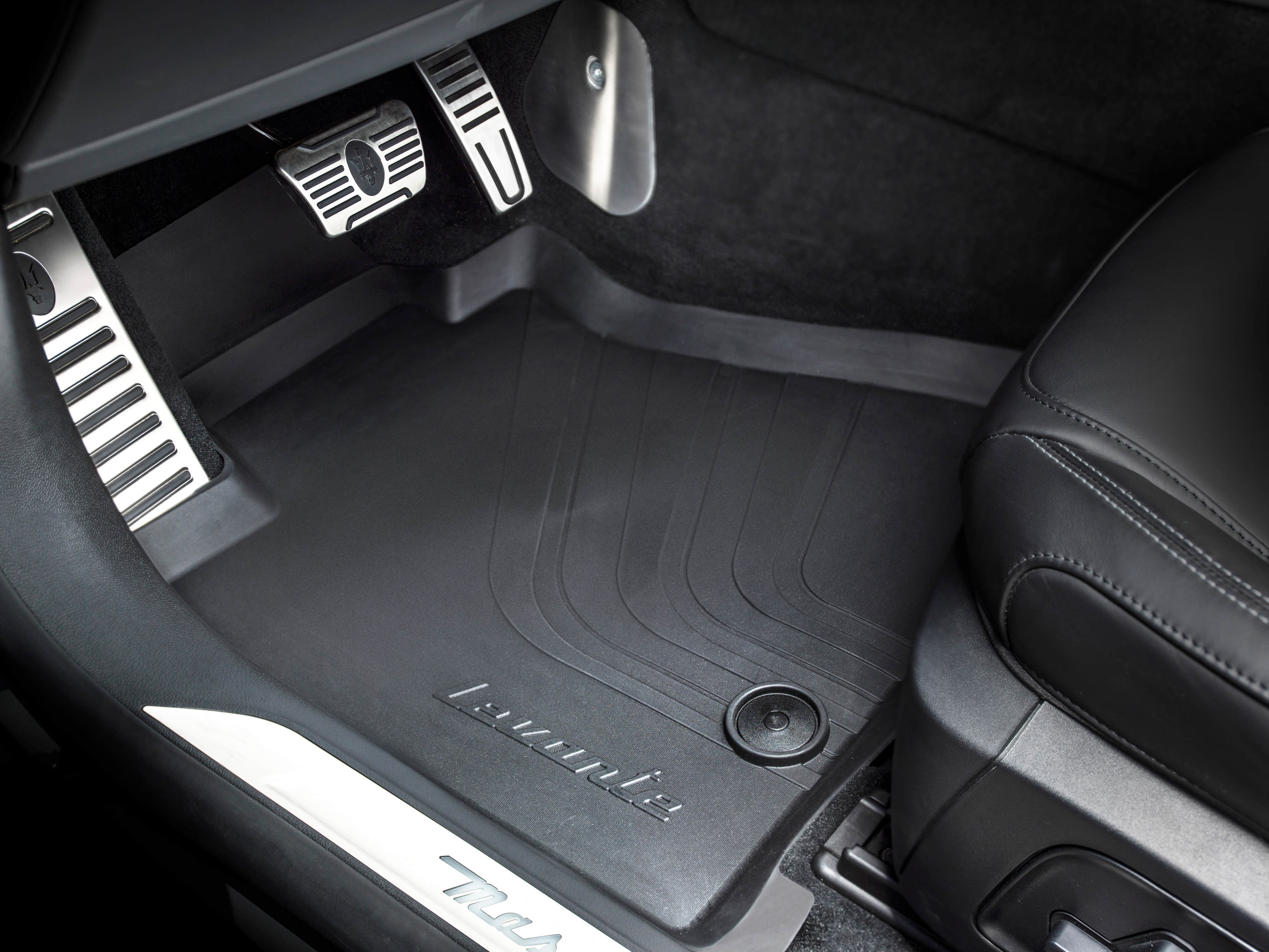 Levante All-Weather Fitted Floor Mats - Set of 4
