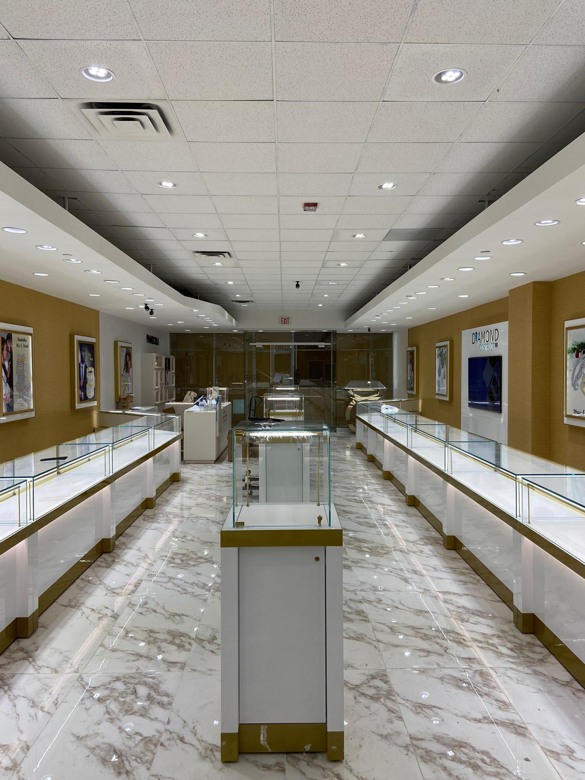 Diamond District 901 completed one of the three stores for 2020 with the fully custom LED Diamond lights in the ceiling and extra clear showcases to sparkle the inventory. Diamond Lighting and showcases by Lighting4Diamonds.