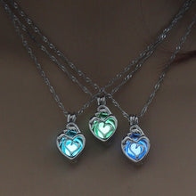 Load image into Gallery viewer, Glowing Heart Pendant