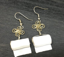 Load image into Gallery viewer, Toilet Paper Roll Earrings