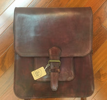 Load image into Gallery viewer, Brown Leather Messenger Bag