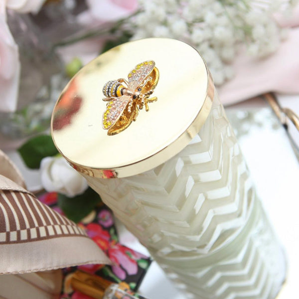 Herringbone Candle With Scarf Blond Vanilla - Cream and Gold Bee Lid