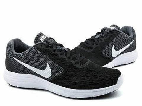 *Nike Revolution 3 Black/White - (819300-001) - W40 - R1L3