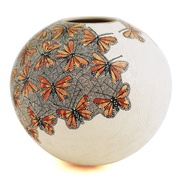Cindy Perez : Monarch Butterflies Olla