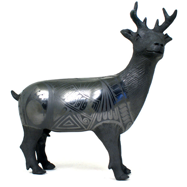 Nicolas Ortiz Jr: Spectacular Black on Black Deer