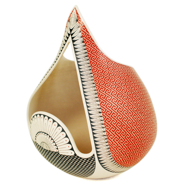 Elias Pena: Stylized Bird Masterpiece Olla