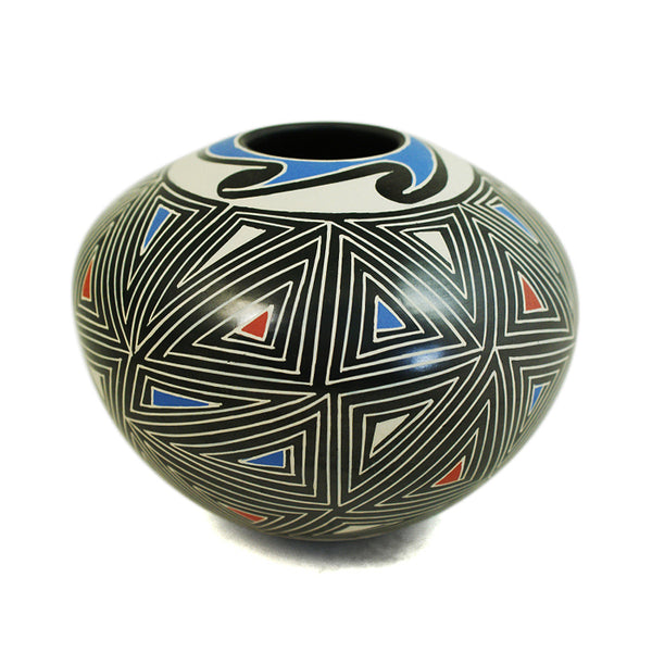 Efrain Lucero: Geometric Beauty Olla