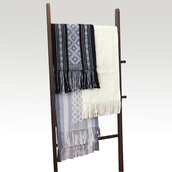 Elegant Table or Bed Runner Oxford Grays Jalieza