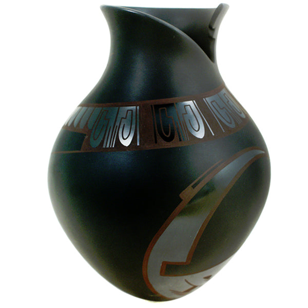 Lydia Quezada Black on Black Pot