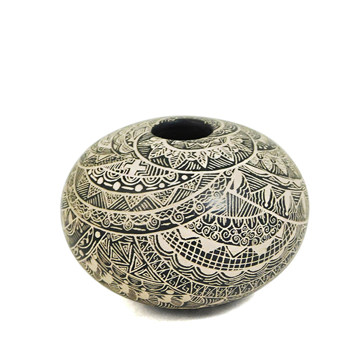 Paula Gallegos Bugarini: Mandala Cross Seed Pot