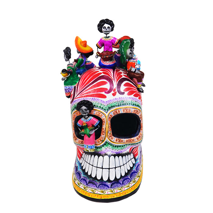 Saul Montesinos: Skull with Mexican Farmers