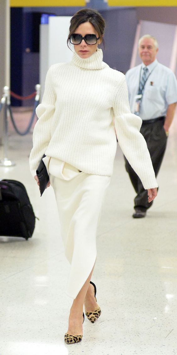 EXCLUSIVE TO INF: December 8, 2015: Victoria Beckham is pictured tonight arriving at JFK International Airport wearing white in New York City. Mandatory Credit: INFphoto.com Ref: infusny-160/285