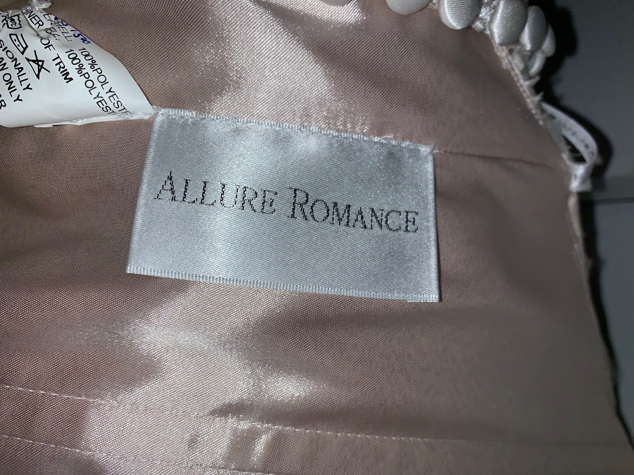 Allure Romance - 3106 - Size 22 - Champ/Nude/Ivory/Silver