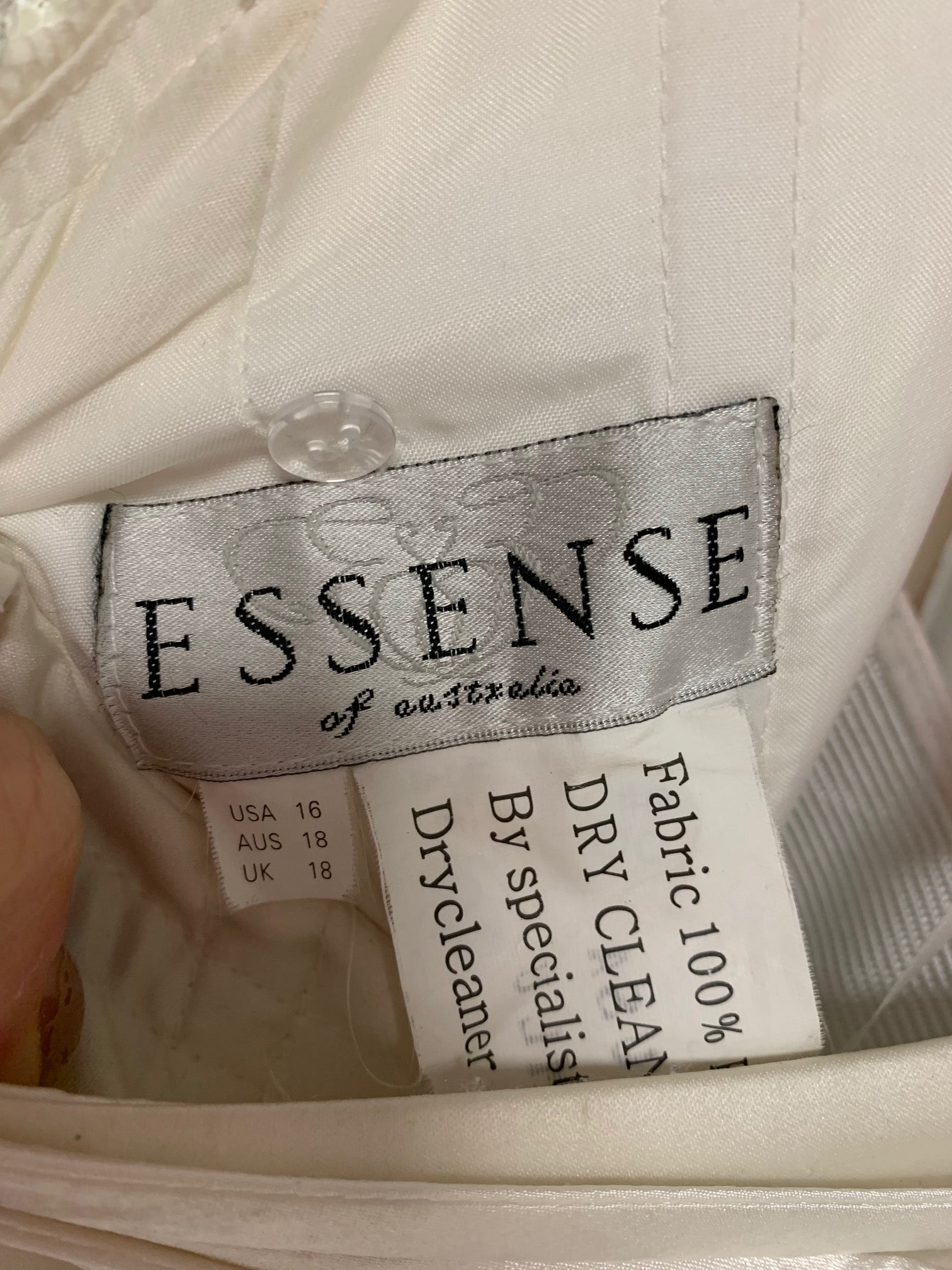 Essense of Australia - d2272 - Size 16 - Ivory
