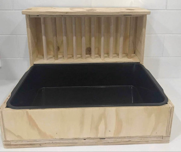 Guinea Pig Ply Wood Hay Feeder with Litter Tray