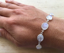 Load image into Gallery viewer, Moonstone sterling silver bracelet Oval