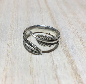 Feather sterling silver ring, Adjustable feather sterling silver ring, Gift for her, Gift for him, Boho silver ring, Thumb silver ring