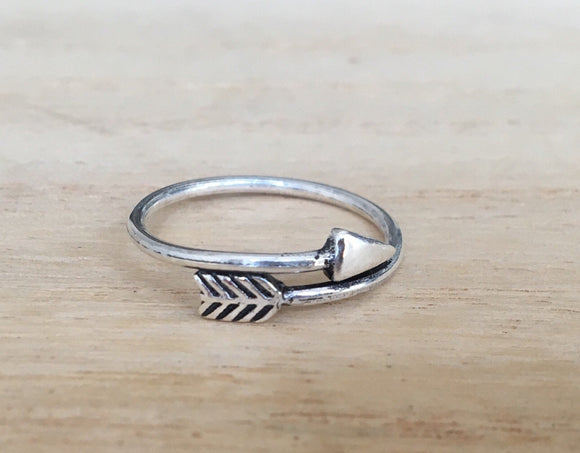 Arrow sterling silver ring, Adjustable cupid's arrow sterling silver ring, Gift for her, Gift for him, Boho silver ring, Thumb silver ring
