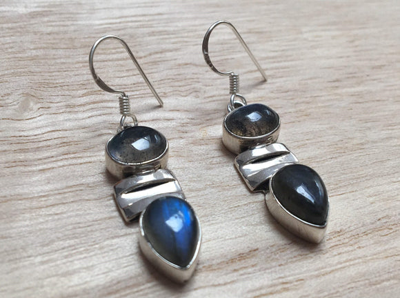 Labradorite silver earrings, Dangle labradorite silver earrings, Oval labradorite Earrings, Drop Earrings, Gift for her, St Valentine gift