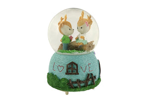 Lovely Couple Crystal Figurine