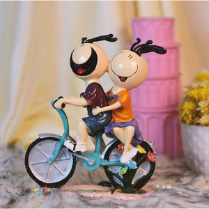 Cute Couple On A Bicycle Giftii
