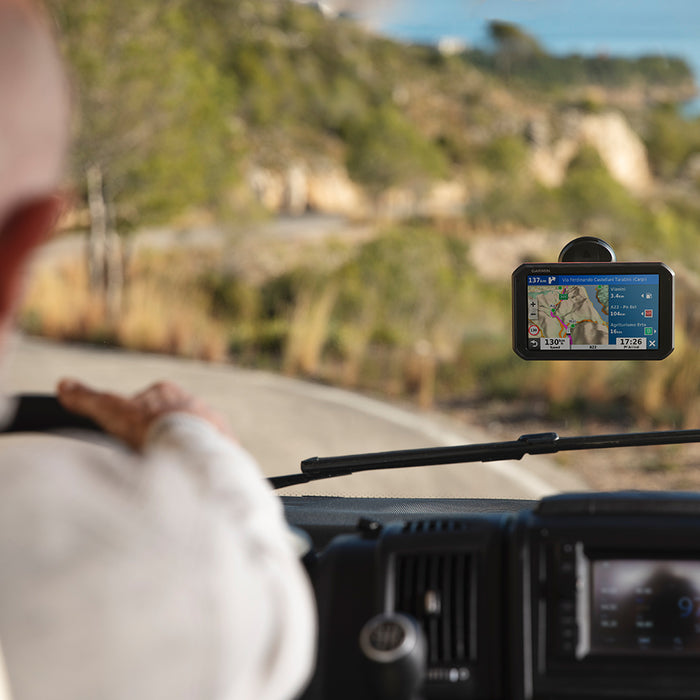 Garmin RV 780 & Traffic GPS Navigator