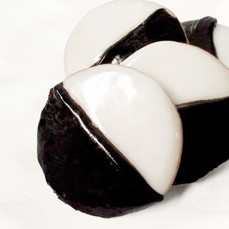 Black & White Cookies - Large (approx. 4 oz.)