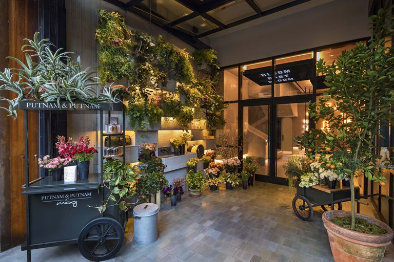 Florists: The New Floral Stars on the Hotel Scene