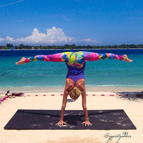 InYo Watercolor Yoga Leggings Gypset Goddess Caitlin Turner @gypsetgoddess
