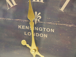 Clock by Station Kensington RD/SQ clock