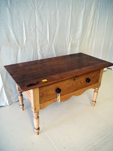 Pine Baker's prep table with drawer on turned legs