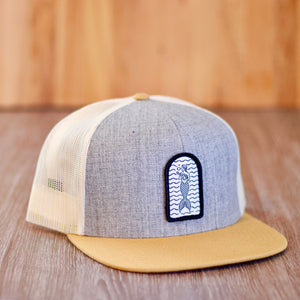 Patch hat grey with flat beige brim