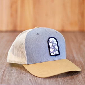Patch hat grey with curved beige brim