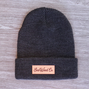 SeaWeed knit beanie hat in charcoal
