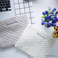 Knitted Envelop clutch