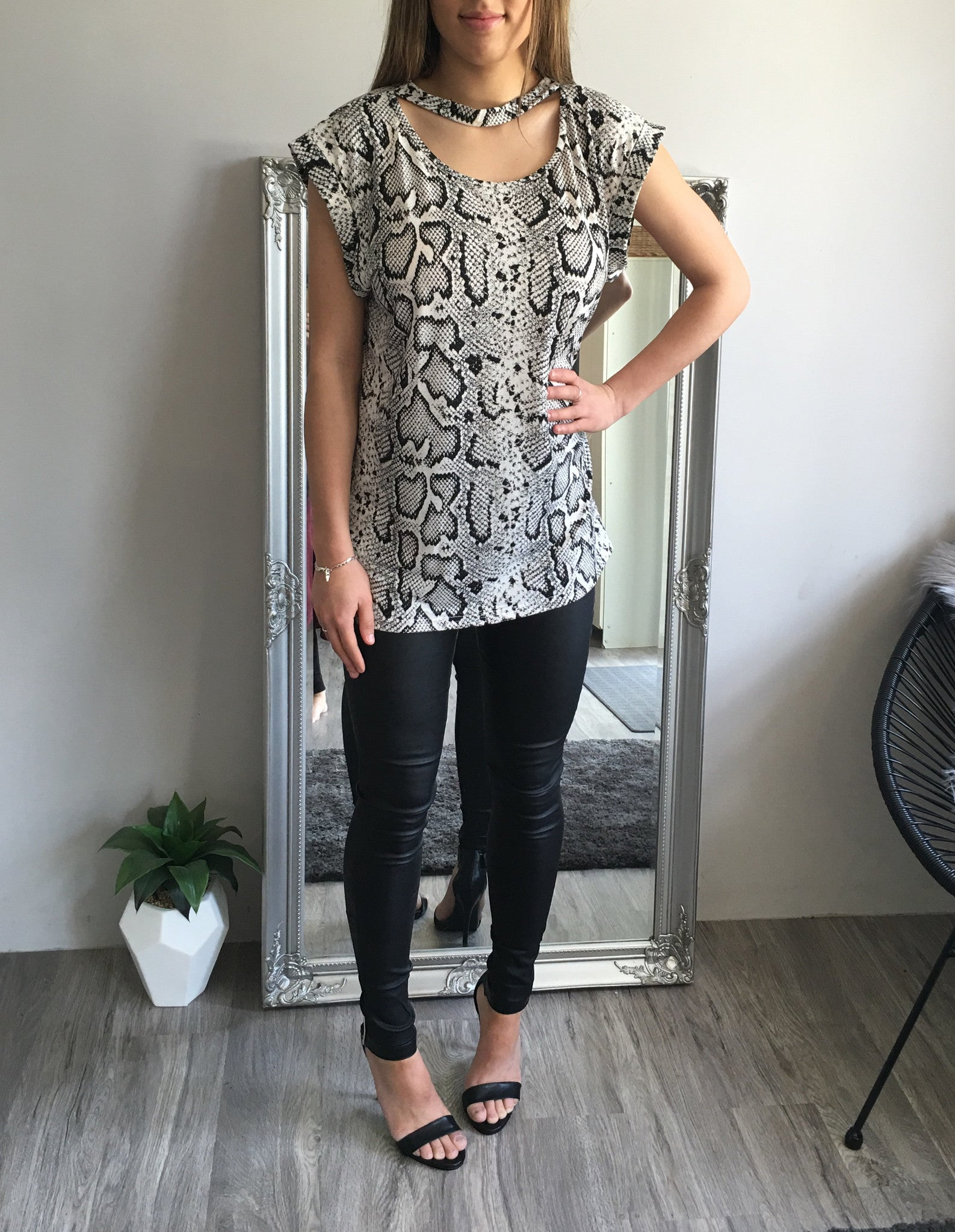 Refuge Basic Choker Top Snow Leopard