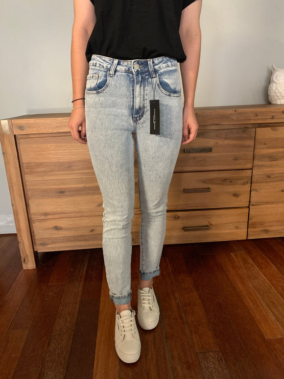 Acid Wash Vintage Mom Jean