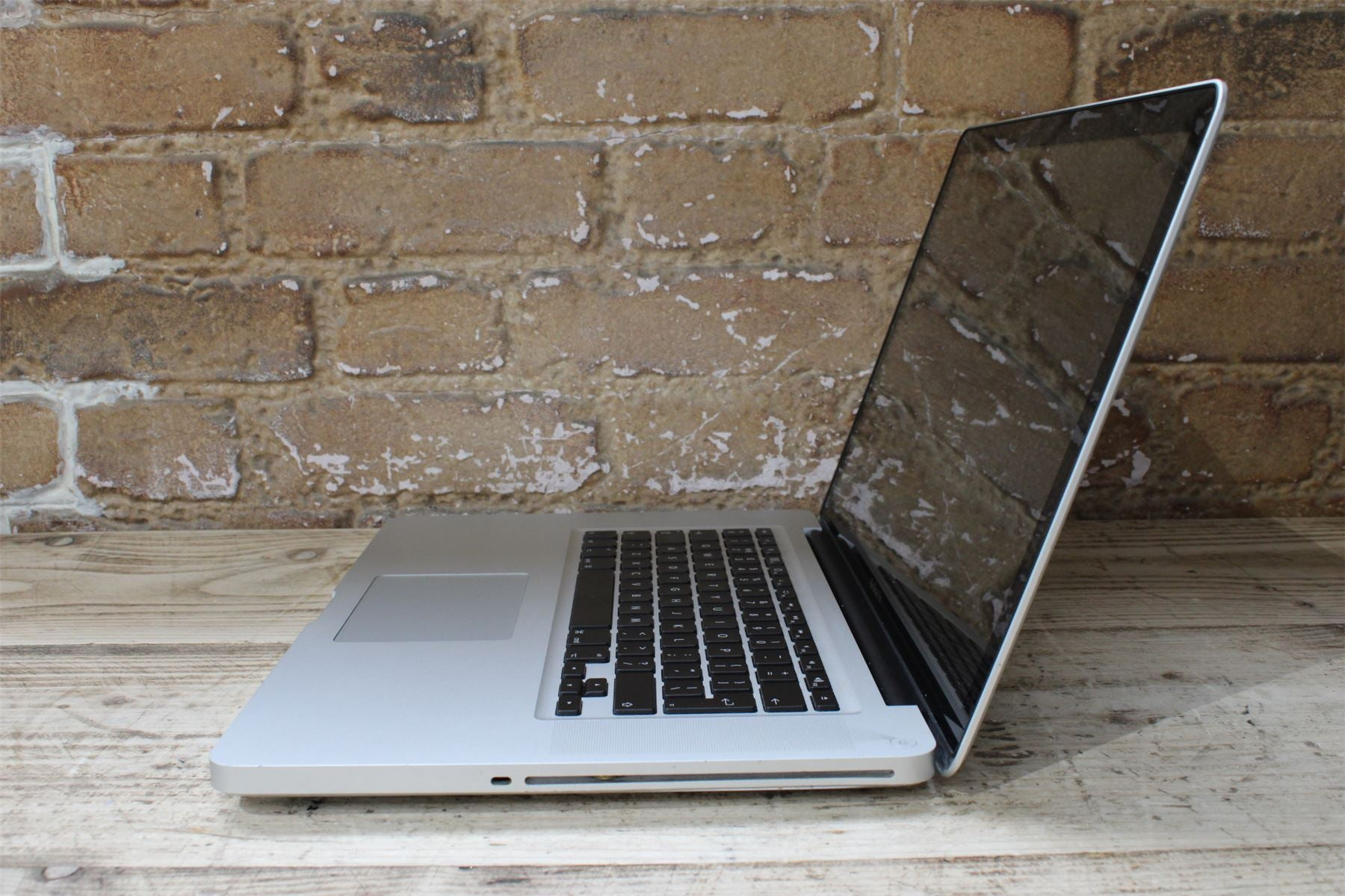 Apple MacBook Pro Early 2011 15.4