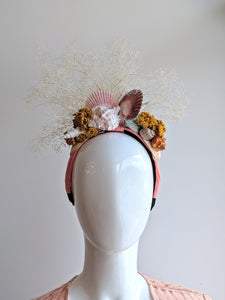 1Headpiece snail and flowers