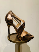 Load image into Gallery viewer, Jimmy Choo Gold Patent Leather Sandals 38