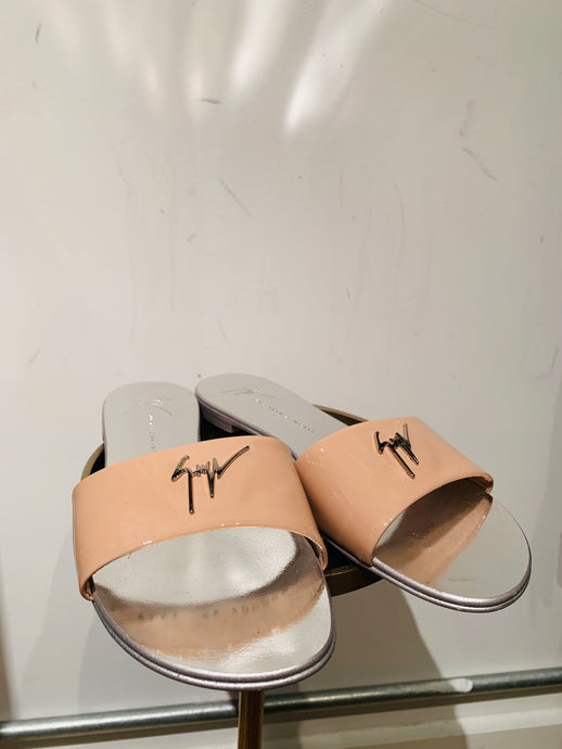 Giuseppe Zanotti Nude Patent Leather Slide Sandals