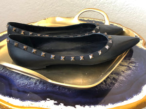 Valentino Leather Pointed-Toes Ballet Flats 41
