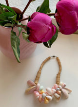 Load image into Gallery viewer, Vintage Shells Necklace