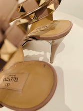 Load image into Gallery viewer, Valentino Nude  leather  Rockstud sandals