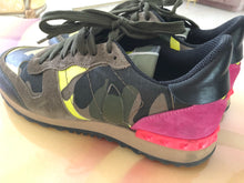 Load image into Gallery viewer, Valentino Rockrunner Sneakers 38