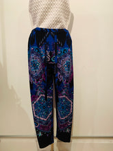 Load image into Gallery viewer, Emilio Pucci Multicolor Mid-Rise Pants