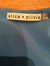 Load image into Gallery viewer, Alice + Olivia Blue and Multicolor printed Cropped top